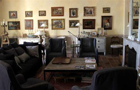 chambre d hote à collioure meubles anciens tableaux chambres d hotes château ortaffa
