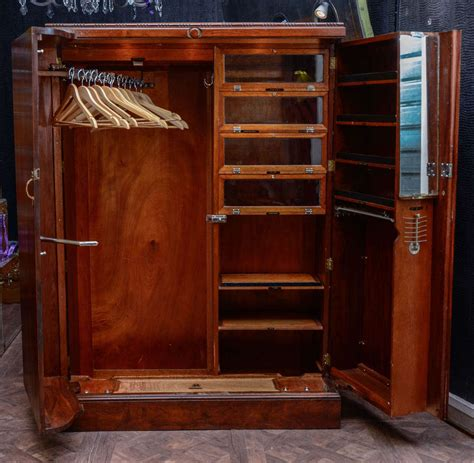 Old World Cabinet by 1930 S Quot Compactom Quot Walnut Steamer Trunk At 1stdibs