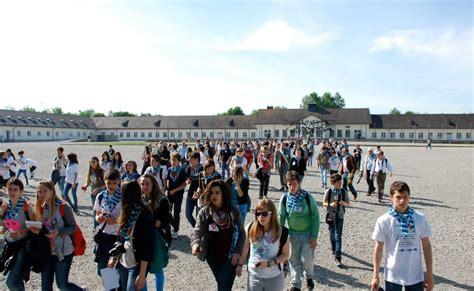 Ufficio Collocamento Sesto San - scuola 330 giovani partiti per il viaggio della memoria