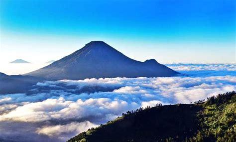 obyek wisata menarik  negeri  atas awan dieng