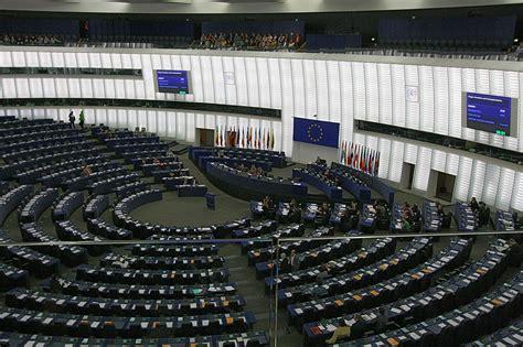 Impulse und legt die allgemeinen politischen zielvorstellungen f�r diese. File:Hemicycle of Louise Weiss building of the European ...
