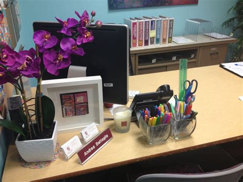 how to decorate a desk ideas to decorate office desk for christmas 1145 downlines