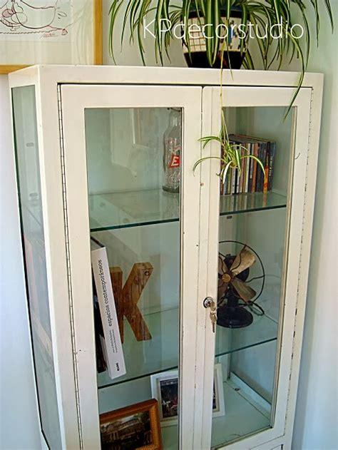 kp tienda vintage  vitrina de medico antigua
