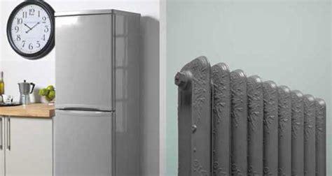 papier peint chambre adulte la peinture radiateur en bombe c 39 est de la bombe
