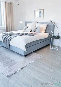 Nachttisch Für Boxspringbett Grau : gem tlich muss nicht kitschig sein das superbequeme boxspringbett sorgt in grau f r coolness ~ Bigdaddyawards.com Haus und Dekorationen