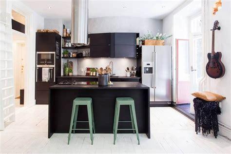 cuisine avec ilot central et coin repas cuisine avec coin repas solutions installation tarifs