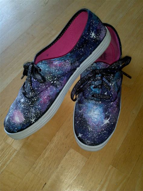 galaxy-shoes-handpainted-sneakers - BigDIYIdeas.com