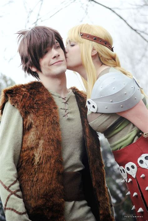 How Train Your Dragon Cosplay Couples