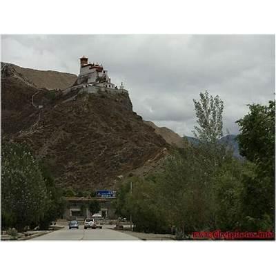 Yungbulakang Palace foto's in Tsedang stad Tibet