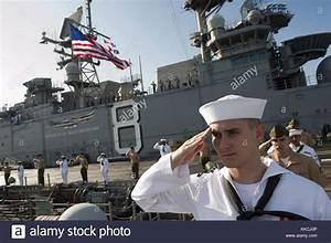Navy Salute Stock Photos & Navy Salute Stock Images - Alamy