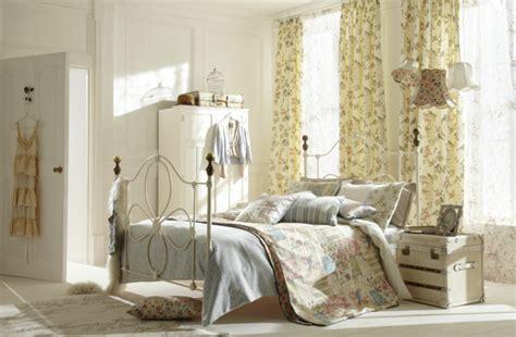 deko schlafzimmer ideen buchemöbel shabby chic m 246 bel sorgen f 252 r eine dramatische