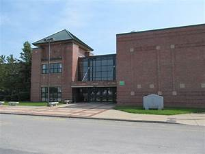 Clinton High School (Massachusetts) - Wikiwand  Highschool