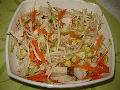 cuisiner le poulet en sauce salade asiatique de cyril lignac un peu de rêve dans ma
