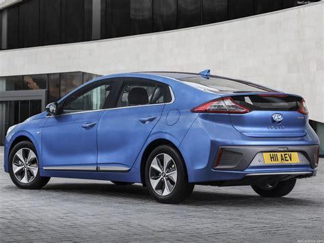 2017 Hyundai Ioniq Hybrid Review First Drive 2017