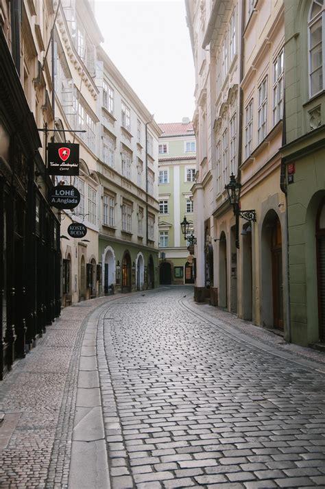 Old Town Cobblestone Streets Entouriste