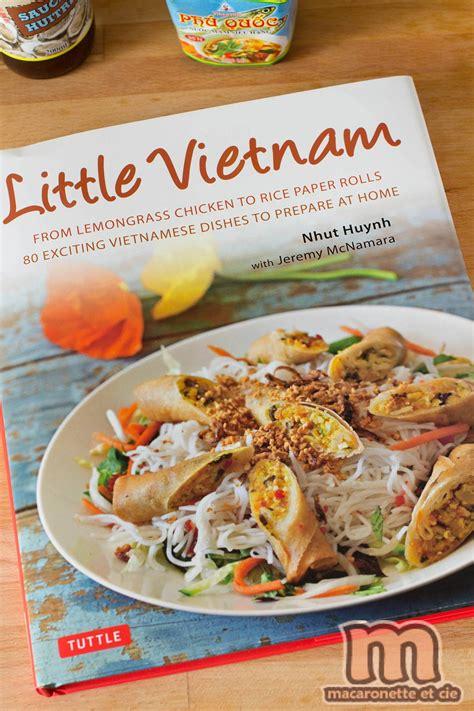 livre cuisine vietnamienne bœuf grillé à la citronnelle sur salade de nouilles de riz