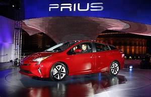 Toyota Prius Versions : new prius hybrid toyota reveals details cbs news ~ Medecine-chirurgie-esthetiques.com Avis de Voitures
