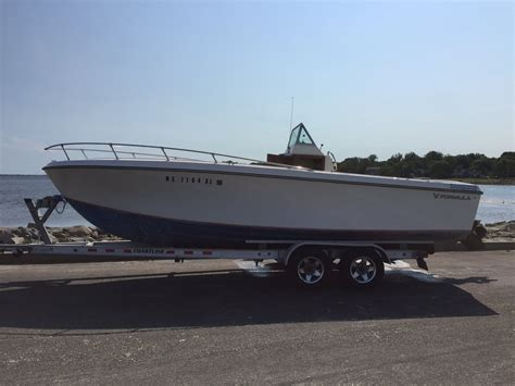 Formula Boat Forum by 1974 Formula 233 Center Console Reduced The Hull