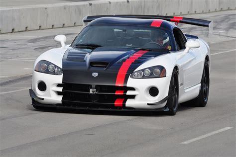 Dodge Viper Srt10 Acr Shatters Corvette Zr1s Record At