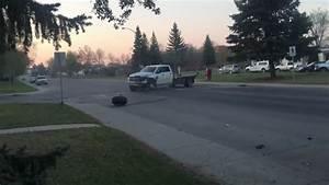 Accident Délit De Fuite : tentative de d lit de fuite avec un pick up accident ~ Gottalentnigeria.com Avis de Voitures