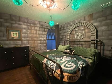 transported  hogwarts   harry potter themed airbnb
