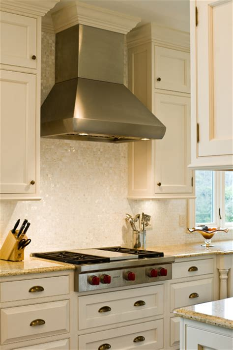 wolf  gas rangetop  hood traditional kitchen boston  westborough design center
