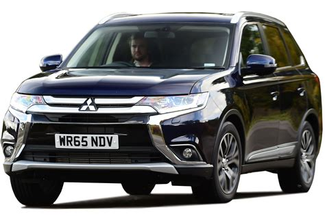 Reviews Of Mitsubishi Outlander by Mitsubishi Outlander Suv 2019 Review Carbuyer