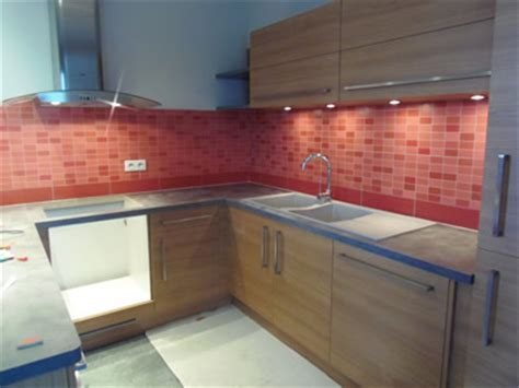 cr馘ence cuisine blanche faience pour credence cuisine maison design bahbe com