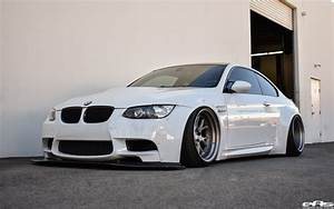 Bmw E92 Coupe : alpine white bmw e92 m3 with a liberty walk widebody kit ~ Jslefanu.com Haus und Dekorationen