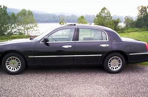 1999 Lincoln Town Car - Pictures