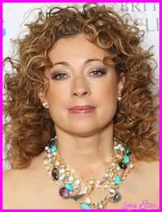 Curly Hair Medium Length Hairstyles for Women