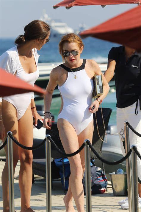 Lindsay Lohan Cameltoe Pokies Photos Celebrity Leaks