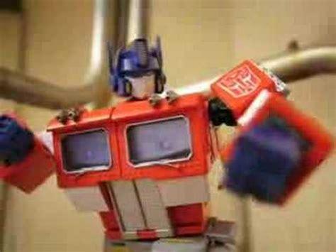 Transformers Stopmotion Bumblebee Beats Optimus Prime