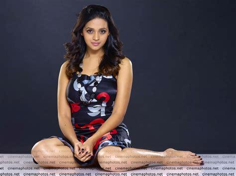 bhavana sexy indian actress bhavana latest hot photoshoot showing her legs