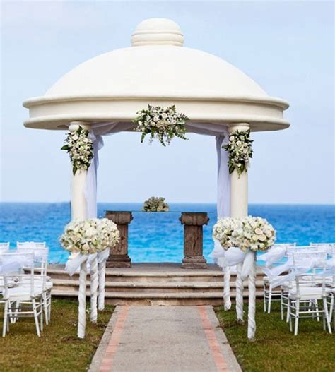 luxurious wedding ceremonies cancun luxury beach wedding