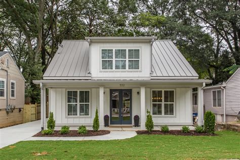 best images about house envy on modern house envy this modern farmhouse lands in historic grant 17