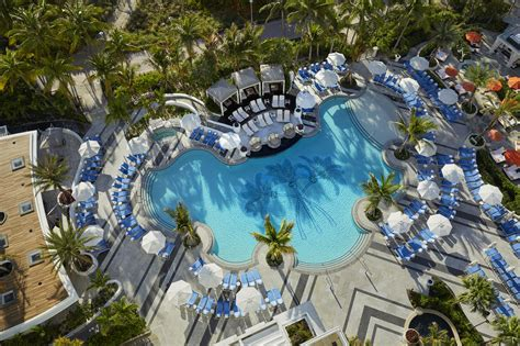 love    loews miami beach pool