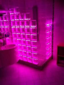 Cabine De Douche En Verre : cabine de douche en briques de verre avec un clairage par led ~ Zukunftsfamilie.com Idées de Décoration