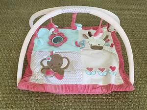 tapis d39eveil avec arche manon et alizee nattou avis With tapis d éveil rectangulaire