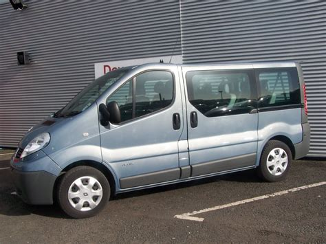 Trafic 9 Seater by 2013 Renault Trafic Sl27 2 0dci 9 Seater Minibus Used Kia