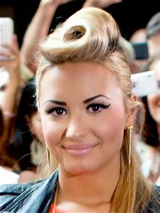 Worst Celebrity Eyebrows - Beauty Riot