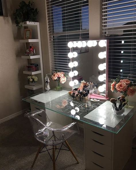 Glass Bedroom Vanity by Best 25 Glass Vanity Table Ideas Only On
