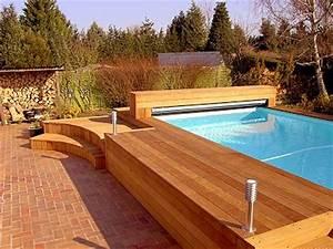 piscines bois arts et voyages With terrasse en bois pour piscine hors sol 1 piscine bois hors sol bluewood avec jacuzzi construction