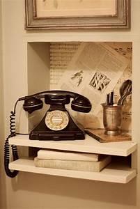 Telephone Mural Vintage : 25 best ideas about old phone on pinterest vintage stuff telephone and antique phone ~ Teatrodelosmanantiales.com Idées de Décoration