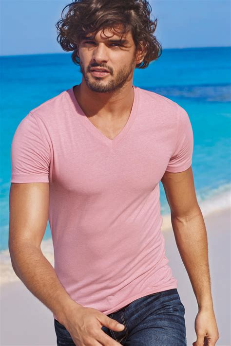 marlon teixeira rocks  summer beach style