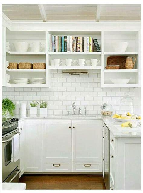kitchen tile backsplash photos peque 241 a cocina blanca hermosa decoraci 243 n 6245