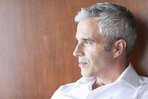 A Men's Guide For How To Color Gray Hair