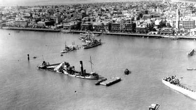 Ein frachter ist im suezkanal in der nacht zu mittwoch auf grund gelaufen und blockiert seither die wichtige schifffahrtsstraße. Der Suezkanal wurde vor 150 Jahren gebaut und war oft umkämpft