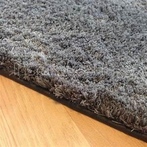 Tapis Sur Mesure : tapis sur mesure gris fonc doux et moelleux ~ Medecine-chirurgie-esthetiques.com Avis de Voitures