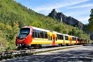 File:Train des Pignes.JPG - Wikimedia Commons